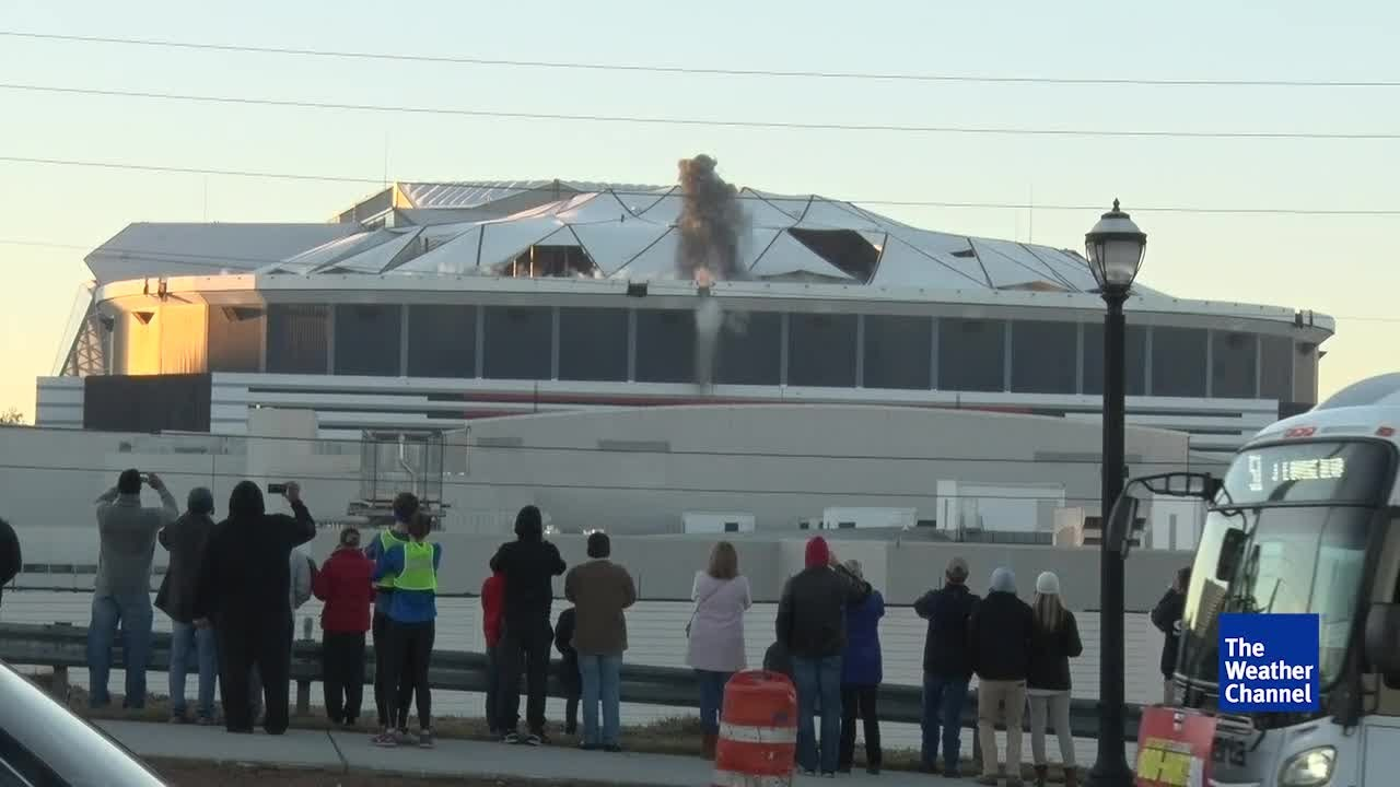 marta-bus-blocks-feed-of-georgia-dome-implosion-at-worst-possible-time