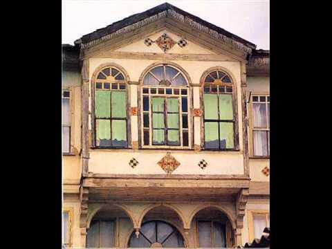 İSTANBUL TÜRKÜLERİ  (Pencereden kar geliyor)