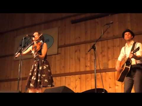 Carrie Rodriguez               Never Gonna Be Your Bride