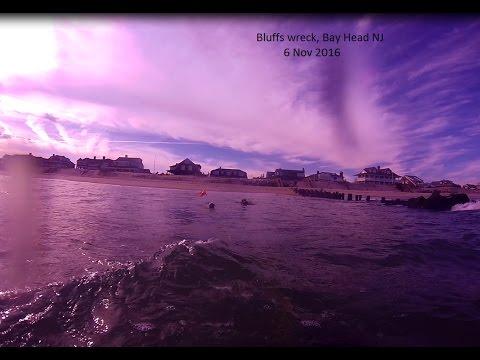 Bluffs wreck