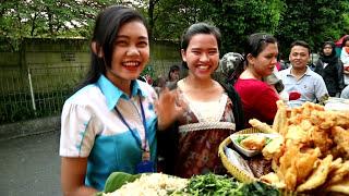 Video NUNGGU BEDUG - Ngabuburit Di Depan Puri Mal Ada Apa ??? download MP3, 3GP, MP4, WEBM, AVI, FLV Oktober 2017