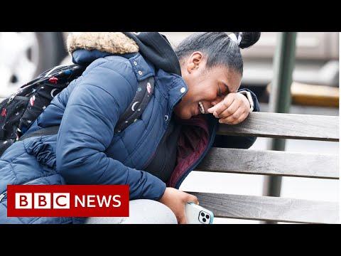 Coronavirus: US weekly jobless claims hit 6.6 million - BBC News