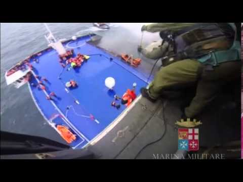 1102WD GREECE-SHIP-ITALY RESCUE