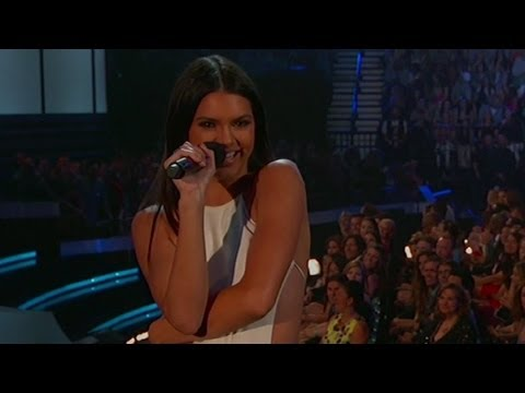 Kendall Jenner Mistakes 5SOS for One Direction - 2014 Billboard Music Awards