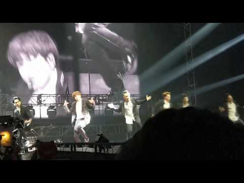 [FAN CAM] Jungkook begin BTS wings tour in HK 170514
