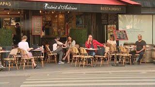 Французы снова на террасах кафе