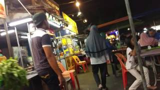 Walking & Exploring Yummy Street Food at Gurney Drive Hawker Centre