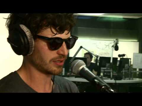 James Gruntz covert «Jung verdammt» von Lo&Leduc - SRF 3 Live Session