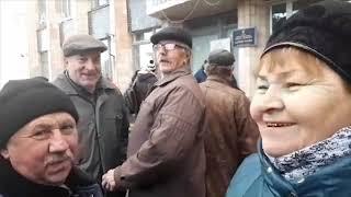 Почему в Новых Санжарах бунтуют против приезда украинцев из Китая. Опрос   Страна.ua
