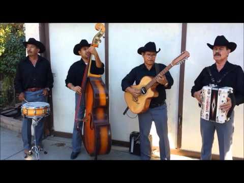 Corridazo De Juan Marta - Chirrines Con Tololoche En California