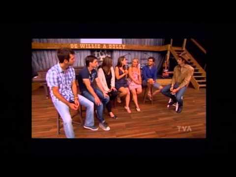 La troupe de COW-BOYS en entrevue à Sucré Salé
