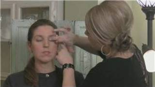 How to Apply Eye Shadow : How to Apply Eye Shadow for a Natural Look Thumbnail