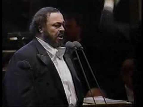 Pavarotti- Turandot- Non piangere, Liu