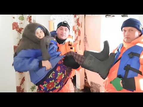 видео: Паводок в Алтайском крае: вода постепенно уходит их населённых пунктов