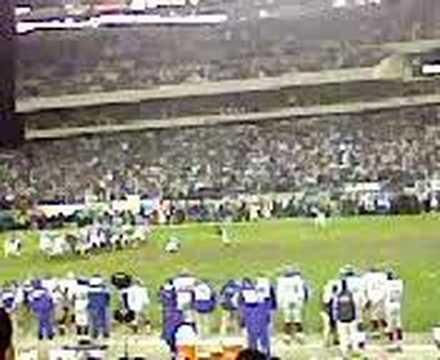 David Akers beats the Giants