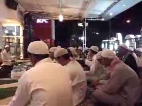 Syaid Ustman Alkaf Bersama Jemaah Dan Para Habaib Di Prada Palembang