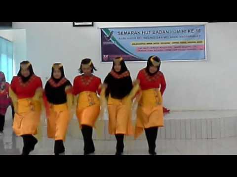 Tari Lulo Kreasi Team Tata Usaha BPOM di Kendari #HUTBPOM16
