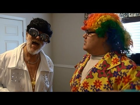 ELVIS AND THE CLOWN! (150,000 Subscribers!)