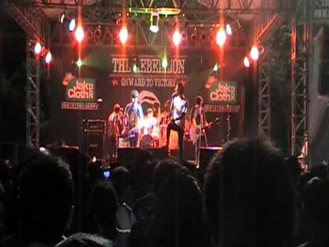 Remember of Today - Pergi Hilang dan Lupakan at Rebellion Stage (Jakcloth summer fest 2012)
