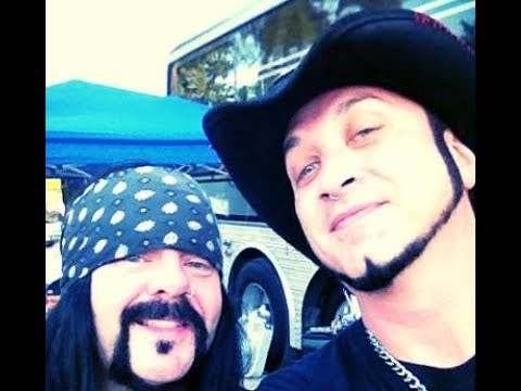 HELLYEAH's Tom Maxwell posts tribute to the late great Vinnie Paul Abbott..