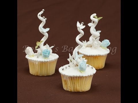 How to Decorate Inspired Fondant and Royal Icing Whoville Cupcakes