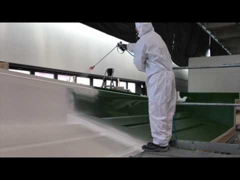 Applying GelCoat with Airless  sprayer TECNOVER mod. MARINE M12