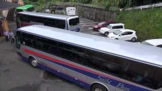 この狭そうな場所での大型バス転回、ご覧ください。 全容撮影 西肥バス エアロバス 大型観光バス thumbnail