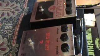 Electro Harmonix Big Muff Pi vs Rams Head current version & vintage effects pedal shootout