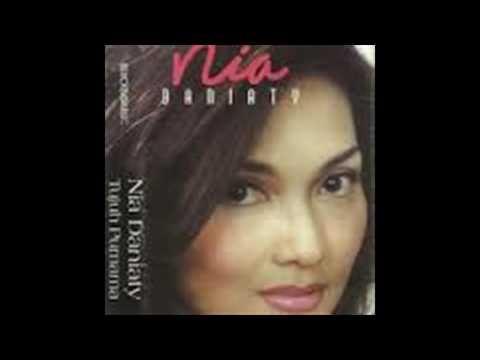 Nia Daniaty - Cerita Cinta