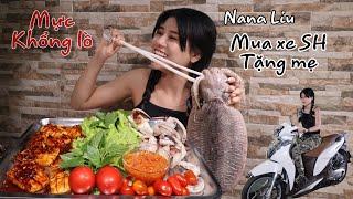 Nana Liu Lần Đầu Cùng Mẹ Ăn Mực Khổng Lồ Chấm Mấm Gừng Giòn Giòn