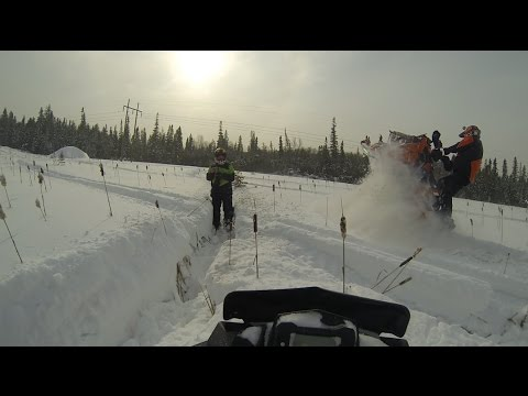 Polaris SKS 800 Ripping up the powder!