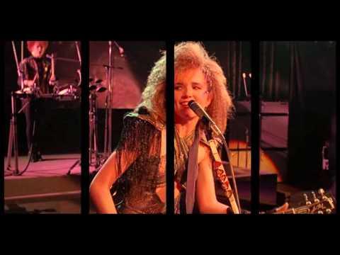 Lea Thompson & The Cherry Bombs feat. Thomas Dolby - Howard The Duck