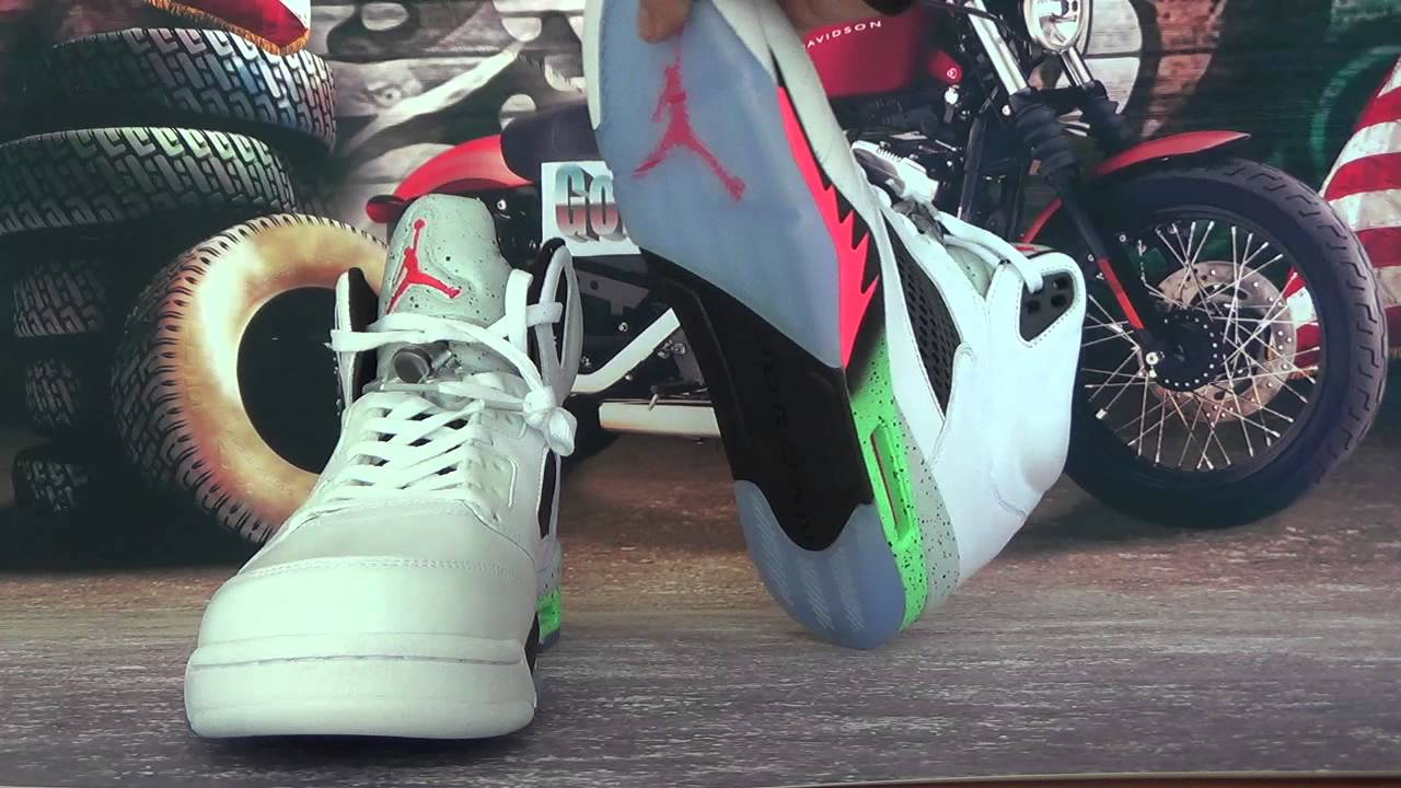 96ea864477e Air Jordan 5 Retro Space Jam - YouTube