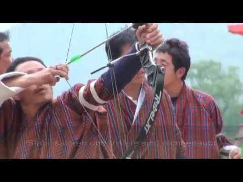 Bhutan - Bogenschießen, der Nationalsport (Archery in Paro)