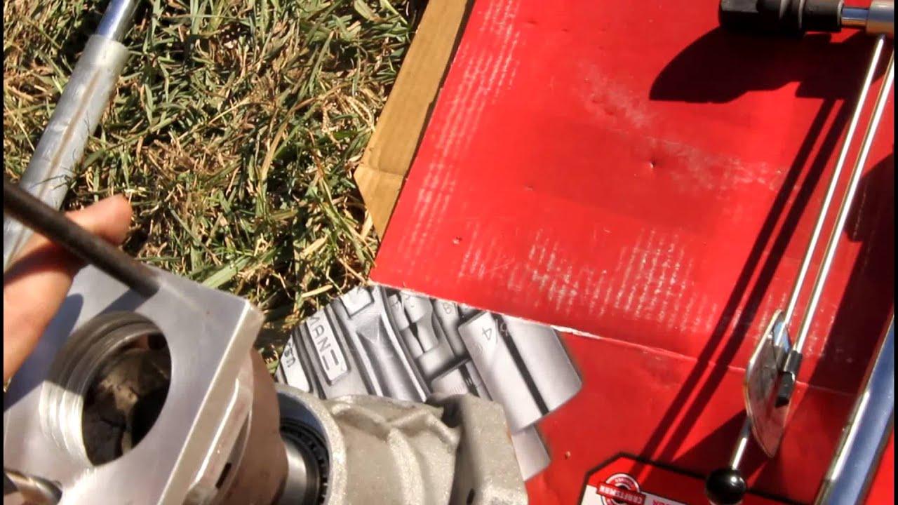 angle gear bearing preload