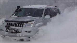 Land Cruiser Prado 120, Hilux, Pajero a Géčko na sněhu