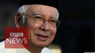 Video Malaysia PM Najib Razak challenged by Mahathir Mohamed to 'show accounts' BBC News download MP3, 3GP, MP4, WEBM, AVI, FLV Juli 2018