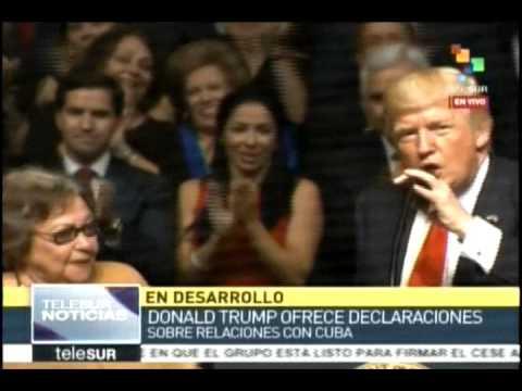 Inicia intervención del presidente Donald Trump en el teatro Manuel Artime de Miami.