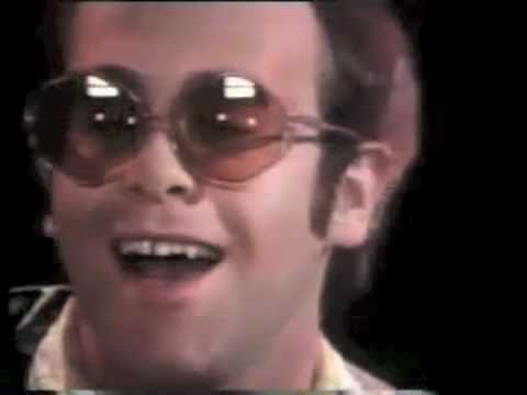 Elton John - Step Into Christmas [HQ audio]