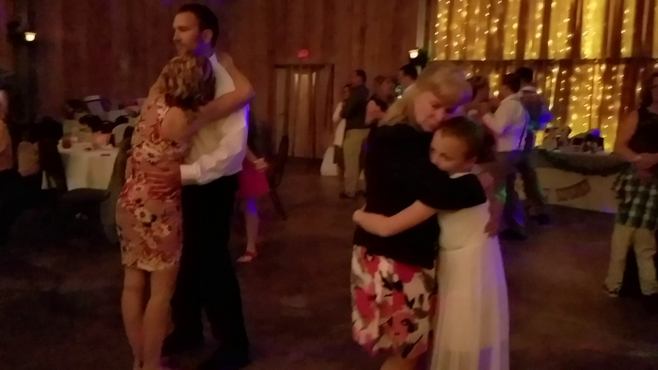how do you slow dance with a girl