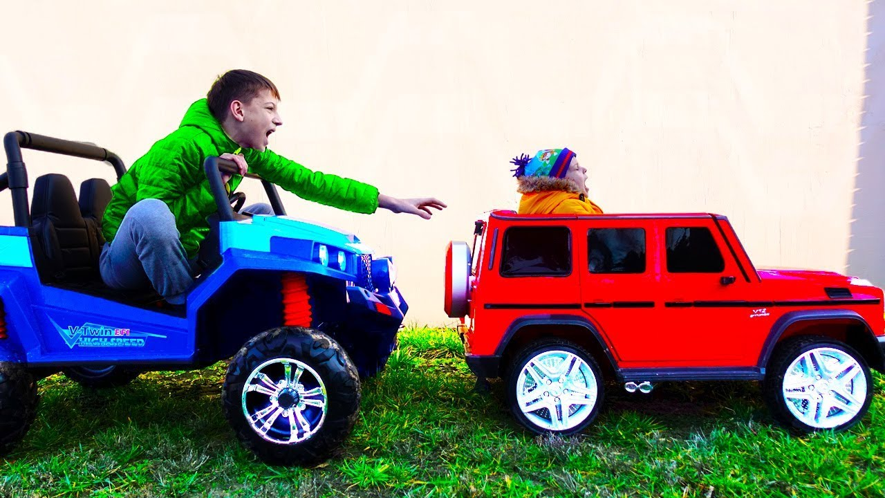Funny cars video for kids Stuck in the sand Ride on Power Wheels 4wd Towing car Power Wheel