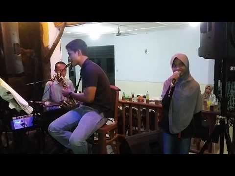 Apalah arti menunggu versi  voc. Viola  feat Mang Eyi Keyboard & Josh Saxophone