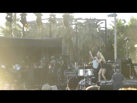 Ellie Goulding - Goodness Gracious (Coachella Festival, Indio CA 4/11/14)