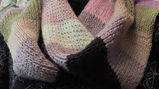 Разноцветный шарф из остатков пряжи. Видео урок.