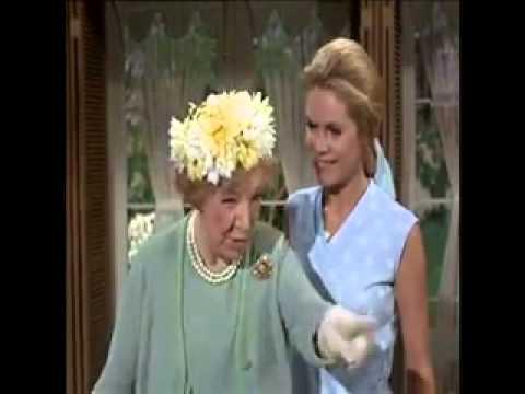 65 Best Aunt Clara Images Bewitching Elizabeth Montgomery Agnes Moorehead