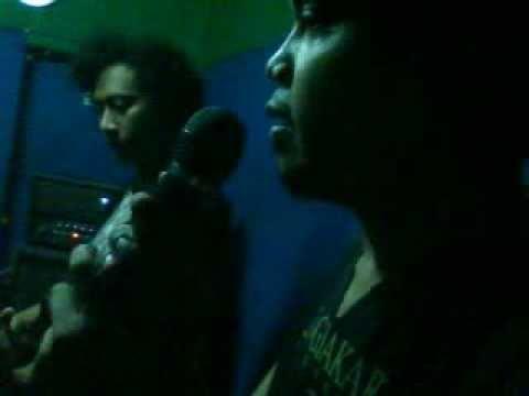 Q-pass Band 'SESAL'