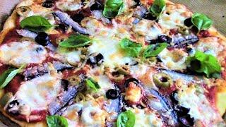 Пицца с анчоусами проста и быстра в приготовлении и очень вкусна. Ароматная и пикантная.
