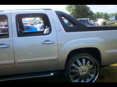 Z71 Chevy Avalanche On 28s Youtube