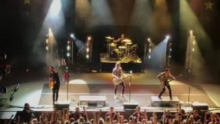 All Time low dear Maria oakland 7/8/17