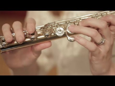 How to Place Your Fingers on a Flute : Flutes